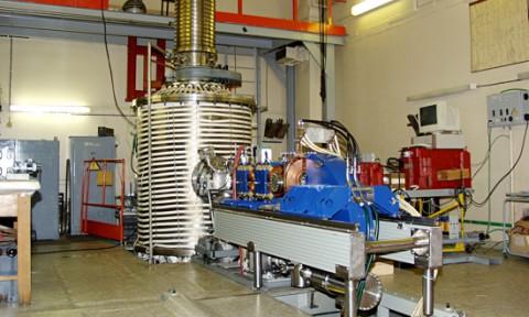 Ускорительный источник нейтронов для проведения нейтронзахватной терапии рака (прототип)